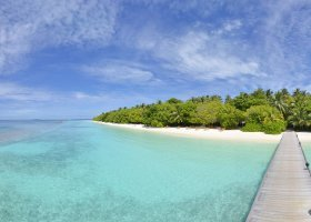 maledivy-hotel-royal-island-resort-spa-006.jpg