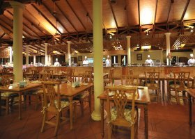 maledivy-hotel-royal-island-resort-spa-043.jpg