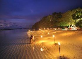 maledivy-hotel-royal-island-resort-spa-055.jpg