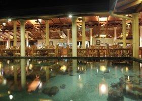 maledivy-hotel-royal-island-resort-spa-058.jpg