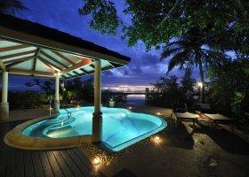 maledivy-hotel-royal-island-resort-spa-078.jpg