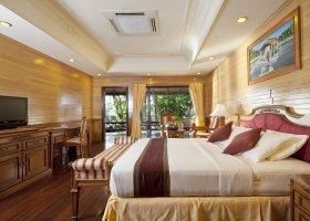 maledivy-hotel-royal-island-resort-spa-079.jpg