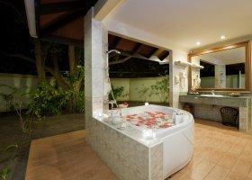 maledivy-hotel-royal-island-resort-spa-086.jpg