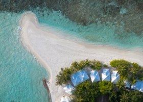 maledivy-hotel-sandies-bathala-007.jpg