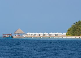 maledivy-hotel-sandies-bathala-021.jpg