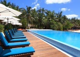 maledivy-hotel-summer-island-village-004.jpg