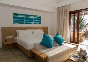 maledivy-hotel-summer-island-village-009.jpg