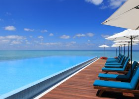 maledivy-hotel-summer-island-village-012.jpg