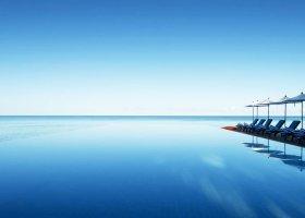 maledivy-hotel-summer-island-village-044.jpg