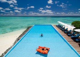 maledivy-hotel-summer-island-village-046.jpg