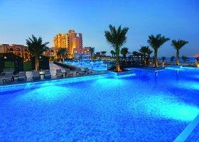 ras-al-khaimah-hotel-doubletree-by-hilton-marjan-island-003.jpg
