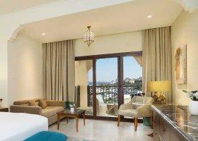 ras-al-khaimah-hotel-doubletree-by-hilton-marjan-island-022.jpg