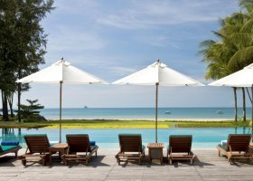 thajsko-hotel-dusit-thani-krabi-beach-resort-002.jpg