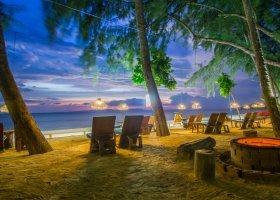 thajsko-hotel-dusit-thani-krabi-beach-resort-009.jpg