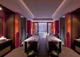 thajsko-hotel-dusit-thani-krabi-beach-resort-010.jpg