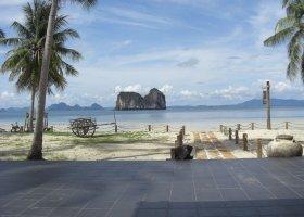 thajsko-hotel-thanya-resort-003.jpg