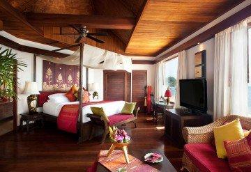 Deluxe Beach Front Suite (65m²)