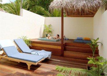 Jacuzzi Beach Villa (80m²)