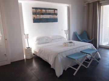 Villa (interiér 103 m², mezzanine 12 m², terasa 51 m²)