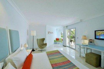 Deluxe Garden Room Terrace/ Balcony (42 m²)