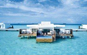 Pool Overwater Suite