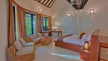 Maldivian Suite with pool (Kihaa Maldives)